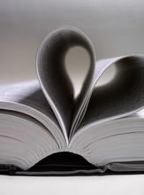 Herzförmige Buch