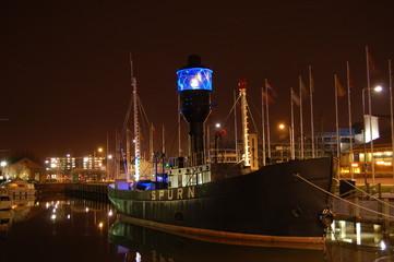 hull marina - 02