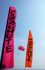 parachute rouge