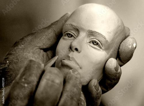 Leinwandbild Motiv hands of an artist
