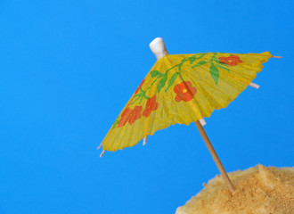 luau party cupcake with umbrella