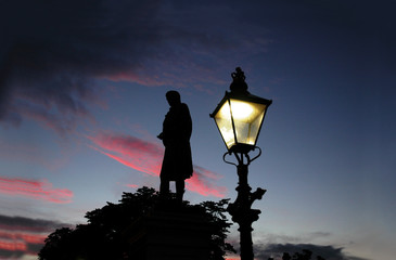 robert burns monument at sunset in aberdeen