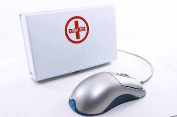 first aid box standing up with mouse