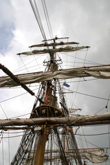 rigging on a square rigger