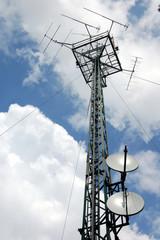 antennenanlage für fernsehen, mobilfunk, radio