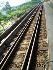 mrt train tracks