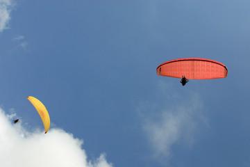 zwei paraglider