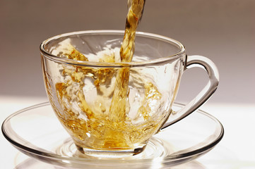 golden stream of tea 3