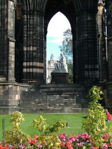 gothinc window to edinburgh