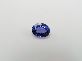 oval tanzanite gem
