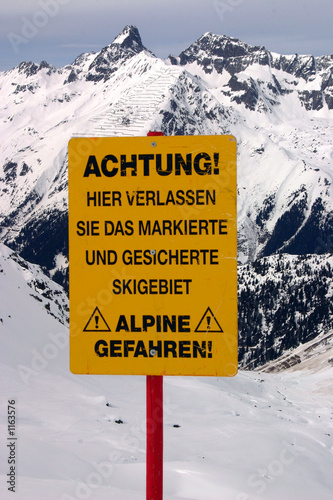 close up at ski warning