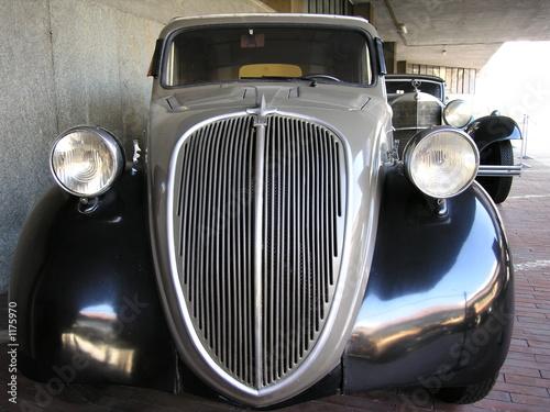 historical car - 1175970