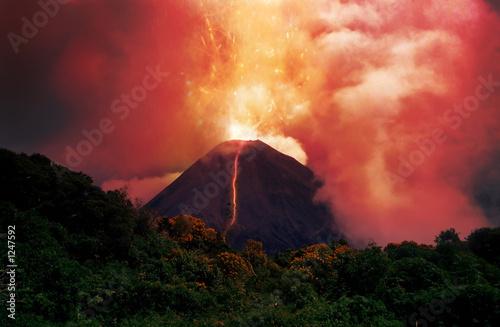 Leinwanddruck Bild erupting volcano