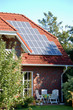 solarzellen an wohnhaus
