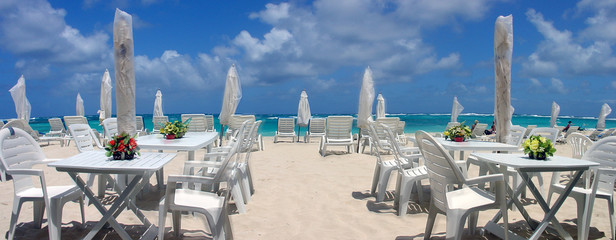 caribbean beach dinner
