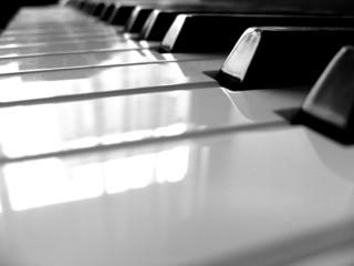 piano noir et blanc n/b