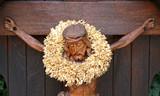 sculpture en bois du christ poster