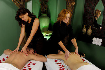 massage for couples at mind and body boutique