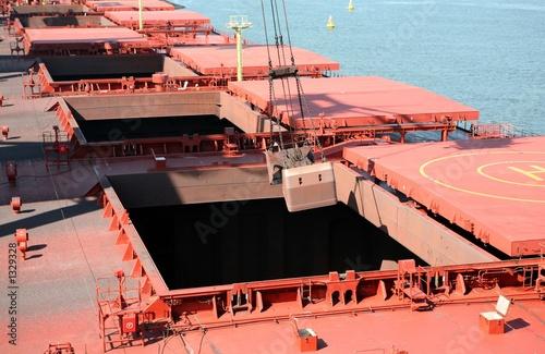 unloading ship - 1329328