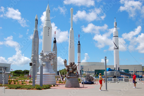 Foto op Plexiglas Ruimtelijk rockets at the kennedy space center