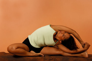 yoga pose side bend