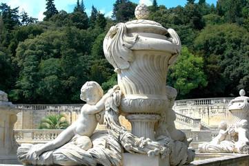vase et statue