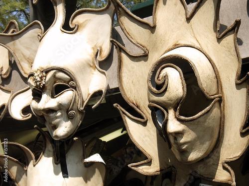 masks 2 - 1511123