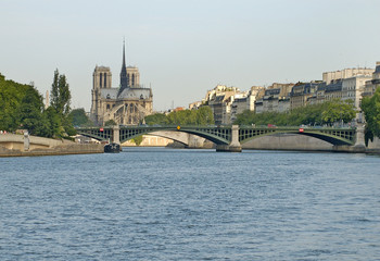 river sienne and notre dame
