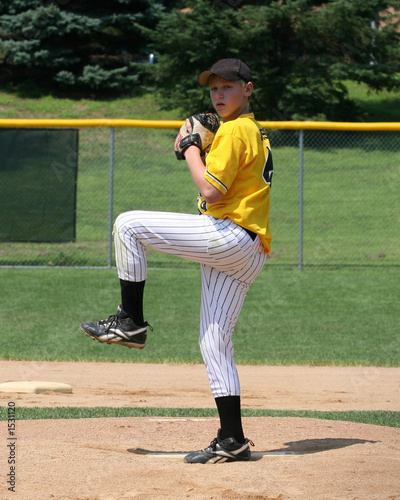 baseball pitching