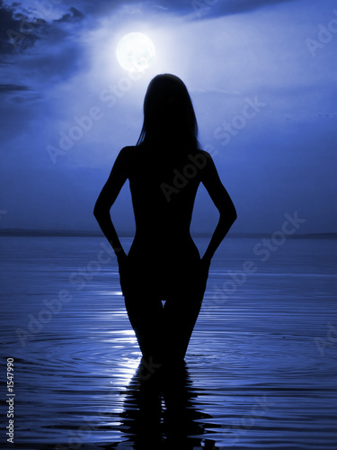naked girl moonlight 3