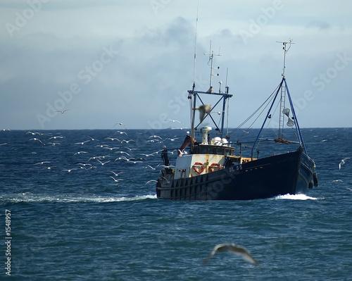 fishing boat - 1548957
