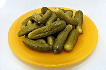 pickled gherkins (young cucumbers)