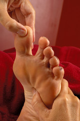 massage reflexology at spa