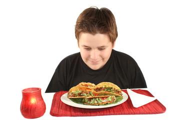 eyeing tacos