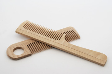 wooden crest  hairbrush 3