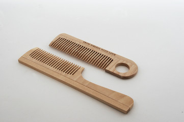 wooden crest  hairbrush 4