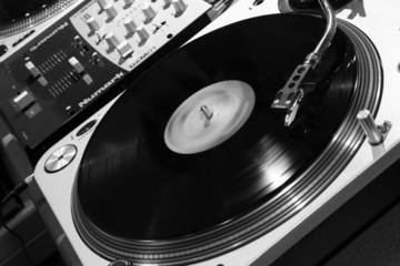 platine vinyl n&b