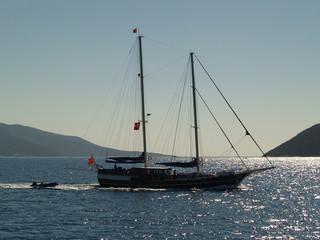 turkse zeiljacht op egeëische zee