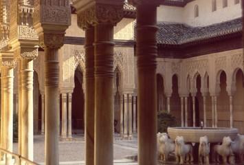alhambra palace, spain, pillars
