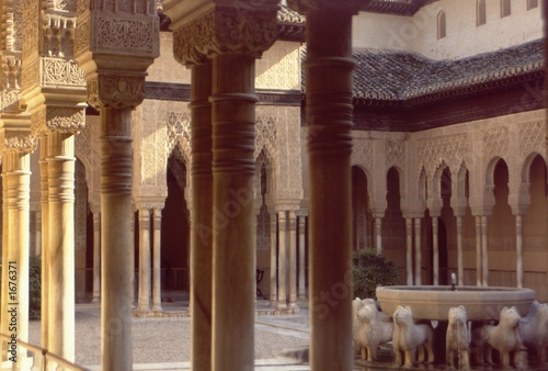 alhambra palace, spain, pillars