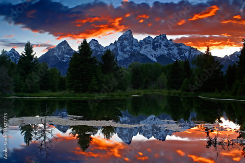 canvas print picture fire over the mountain