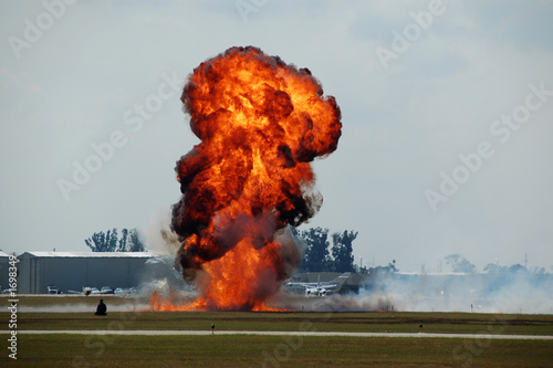 explosion at airport - 1698349