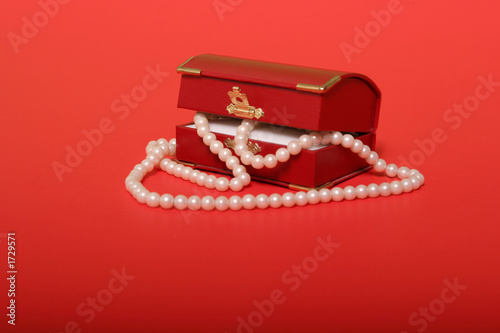 pearl necklace in a red gift box t-shirt
