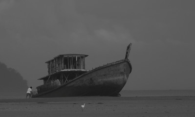 5833	 lonely boat-2