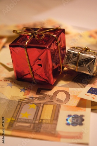 present and money 1
