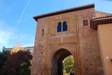 weintor in der alhambra