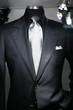costard noir pour cravate argentée