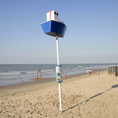 orientation pole at the beach : boat