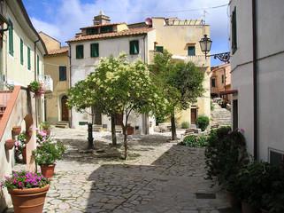 piazza in poggio - isola d'elba