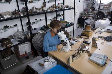 forscher für ausserirdisches gestein